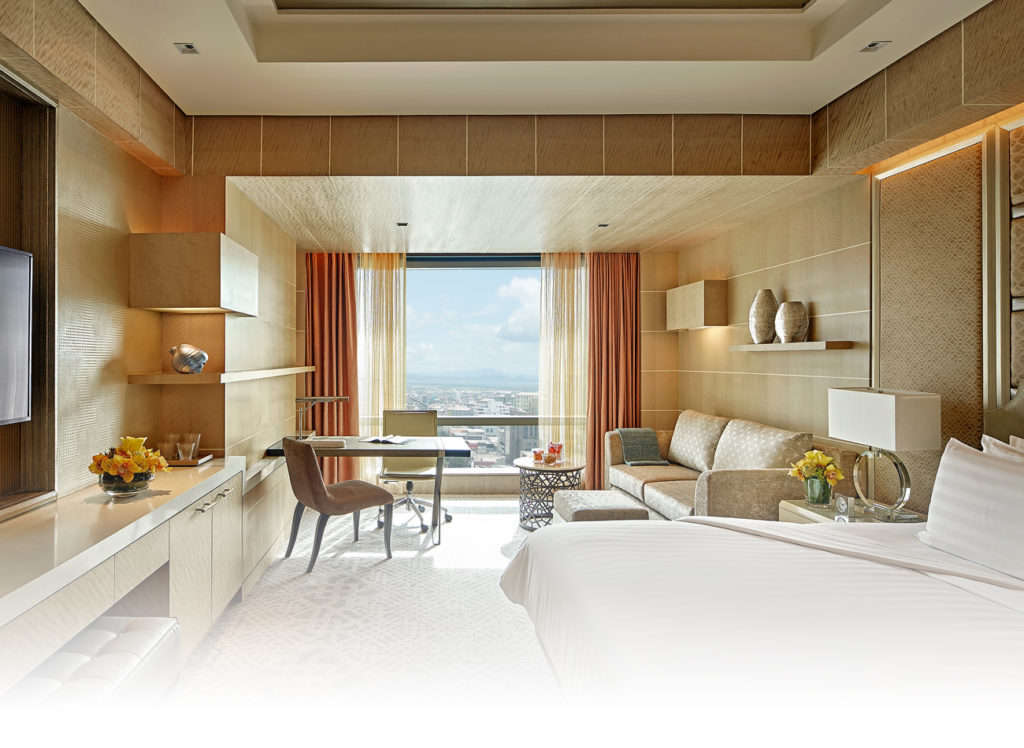 Inside the Shangri-La at the Fort in Bonifacio Global City. Image credit: ZipMatch.com