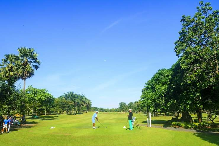 There are dozens of activities to be enjoyed an easy distance from Bangsaray, including dozens of golf courses. Pictured here is Green Valley St Andrews. Image: OutdoorWorks/Shutterstock