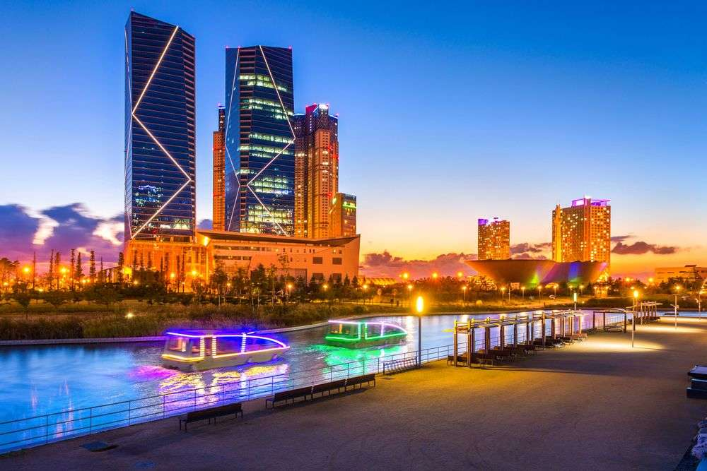 Central park in Songdo International Business District. PKphotograph/Shutterstock