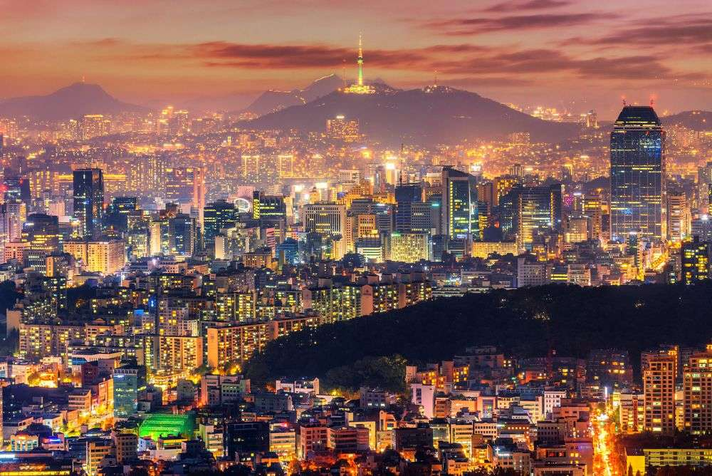 Downtown skyline of Seoul, South Korea with Seoul Tower. TRAVAL TAKE PHOTOS/Shutterstock